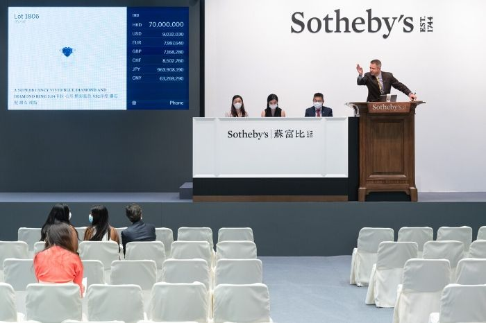 Action at the Sotheby's Hong Kong auction