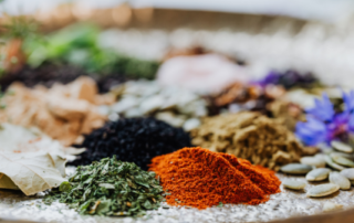 ten spices that add flavor and curry health benefits gafencu magazine feature image
